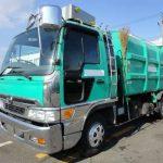 日野レンジャー塵芥車(パッカー車)4トン車のDPFを洗浄